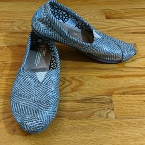 Tom's woman's silver and grey loafer shoes